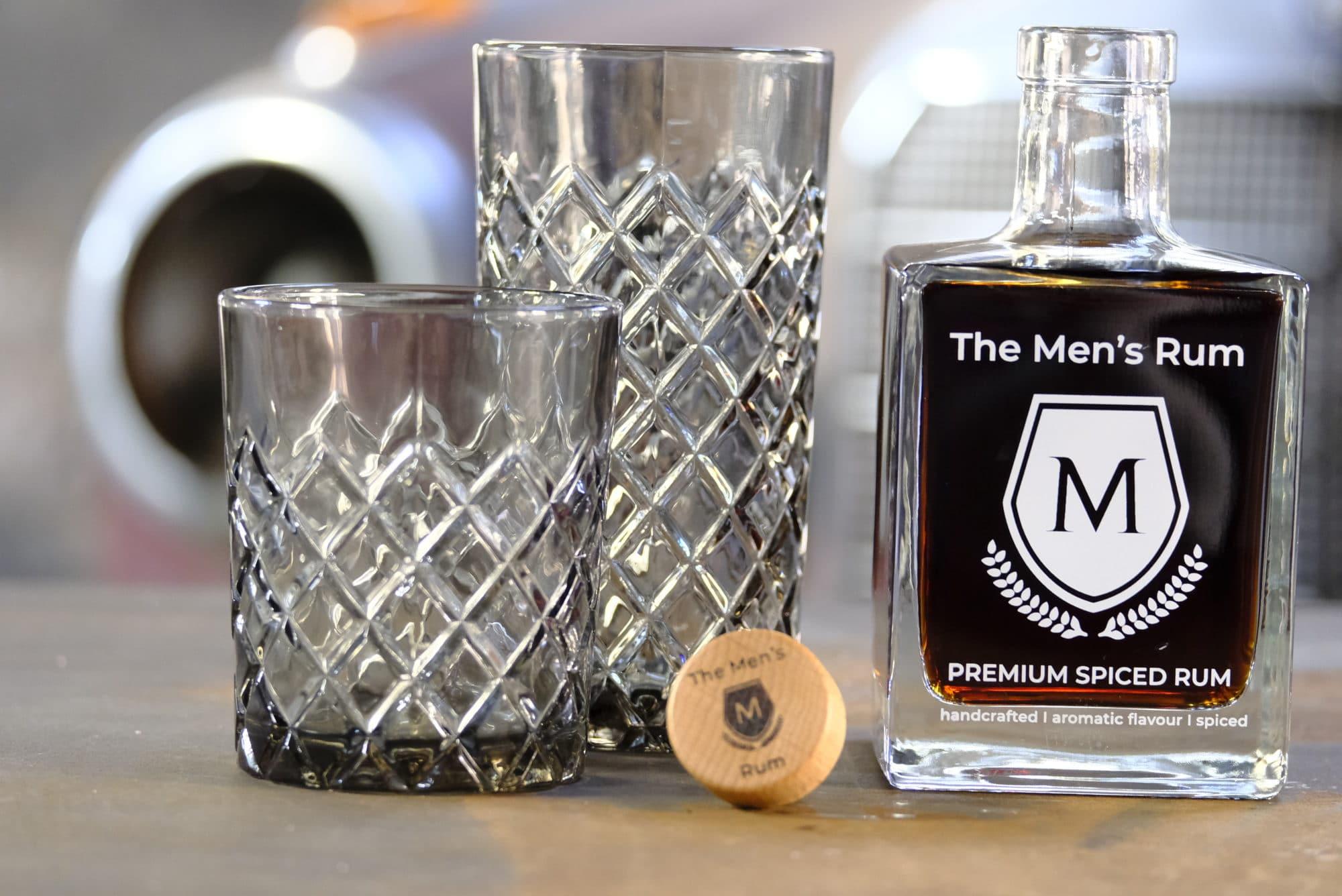 Shooting HenningAreal Rum mit Glässer und Deckel