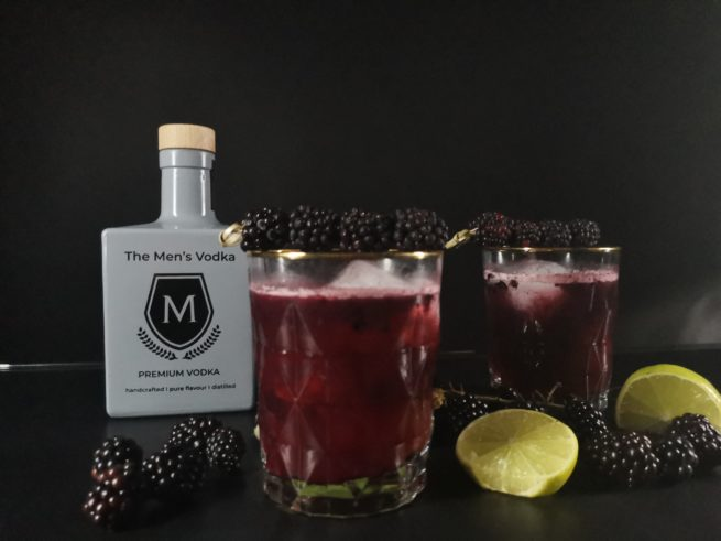The Men´s Life Produktbild Vodka Drink Beeren und Limetten